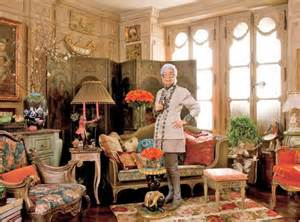 Apfel's Park Avenue apartment (inherited from her mother) resembles a Paris flea market.